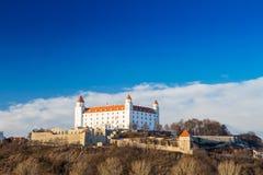 Bratislava-Schloss und Donau- und schönersonnenuntergang, Slowakei Stockfotografie