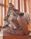 Bratislava - sculpture symbolique de synchronisation en poules de banc dans le presbytère dans la cathédrale de matines de St image stock