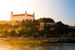 Bratislava slott i huvudstad av den slovakiska republiken Arkivfoto
