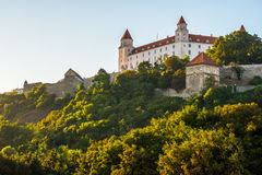 Bratislava slott i huvudstad av den slovakiska republiken Royaltyfri Foto