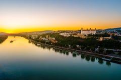 Bratislava slott i huvudstad av den slovakiska republiken Royaltyfria Bilder