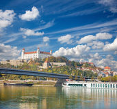 BRATISLAVA, SLOVAKIA, OCTOBER - 27, 2016: The caste and faterfront in autumn Stock Photo