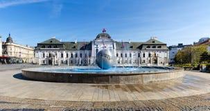 BRATISLAVA SLOVAKIEN - 18 JUNI, 2017: Den Grassalkovich slotten, Royaltyfri Fotografi