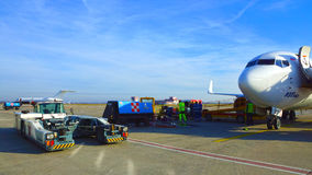 BRATISLAVA-SLOVENIA, 11-ОЕ ЯНВАРЯ Подготовка техническое servic Стоковое фото RF