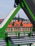 BRATISLAVA, SLOWAKIJE - MEI 20, 2016: Mening van de nieuwe Oude Brug van Bratislava (Stary het meest) royalty-vrije stock foto's