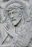 Bratislava - sollievo di Jesus Christ con l'incrocio. dal centesimo 19. sulla tomba nel brane del Na Kozej del cimitero fotografia stock