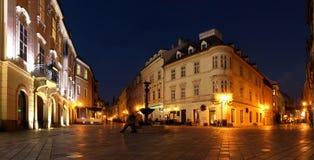 Bratislava vieja en el crepúsculo Imágenes de archivo libres de regalías