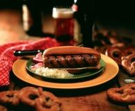 Bratwurst auf Brötchen Lizenzfreie Stockfotografie