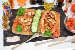 Bratwurst, bratwurst tedesco, salsiccie tedesche, Weiss-wurst, salsiccie bavaresi, alimento Immagini Stock Libere da Diritti