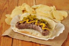 Bratwurst mit Senf Stockfoto
