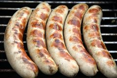 Bratwurst sur le gril Image stock