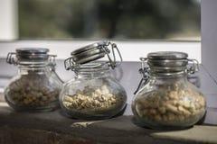 Brauenbestandteile in den Gläsern Stockbilder