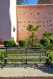 braune alte Ruine in der Bank der Turm Lizenzfreie Stockbilder