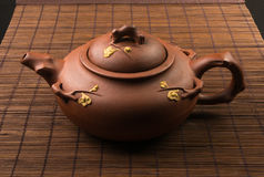 braune chinesische Teekanne Lizenzfreie Stockfotos