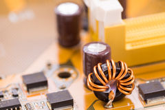 Braunes elektronisches Brett der Nahaufnahme mit kleiner Schärfentiefe 4 Lizenzfreie Stockbilder