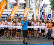 Starting grid for the city run of Braunschweig 2016, with the starter in front of the start and finish line royalty free stock image