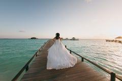 Braut auf dem Strand Lizenzfreie Stockfotos
