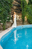 Braut auf Natur Stockfotos