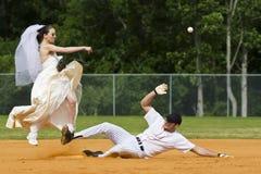 Braut, die doppeltes Spiel durchführt Lizenzfreies Stockbild