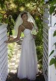 Braut an ihrem Hochzeitstag Stockfotografie