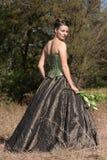 Braut im grünen Kleid stockfoto