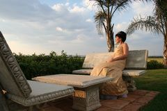 Braut im Hochzeitskleid Lizenzfreies Stockbild