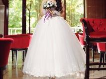 Braut im Hotel Hall Stockbild