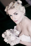Braut im schönen weißen Kleid Lizenzfreie Stockfotografie
