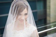 Braut im weißen Schleier Lizenzfreie Stockfotografie