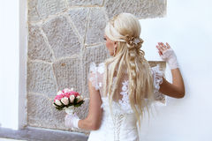 Braut mit blonder Art und Weisehaarart Stockbild
