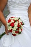 Braut mit Blumen Lizenzfreie Stockbilder