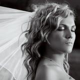 Braut mit den Augen geschlossen Lizenzfreies Stockfoto