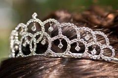 Braut mit einer silbernen Tiara Lizenzfreies Stockbild