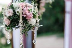 Braut mit Freunden Stockfoto