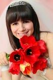 Braut mit Tulpen lizenzfreie stockfotos