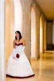 Braut am Schloss Stockfotos