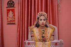 Braut in traditioneller Kleidung Manipuri Stockfotos