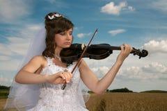 Braut u. Violine Lizenzfreies Stockbild