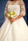 Braut und Blumenstrauß Stockbilder