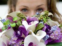 Braut und Blumenstrauß Stockfotos
