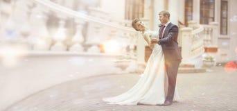 Braut und Bräutigam an einer Hochzeit Stockfoto