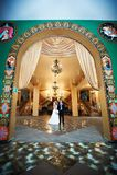 Braut und Bräutigam im schönen Innenraum Lizenzfreies Stockbild
