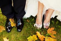 Braut und Bräutigam Legs Stockbilder