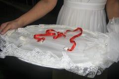Braut- und BräutigamVerlobungsringzeremonie Stockfoto