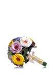 Brautblumenstrauß auf lokalisiertem Hintergrund mit Reflexion Lizenzfreie Stockfotos