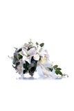 Brautblumenstrauß auf lokalisiertem Hintergrund mit Reflexion Lizenzfreies Stockfoto