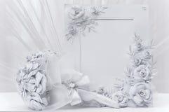 Brautblumenstrauß mit Rahmen für Foto Stockfotografie