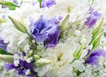 Brautblumenstrauß vom Weiß lizenzfreies stockbild