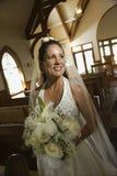 Brautholdingblumenstrauß. lizenzfreie stockfotografie