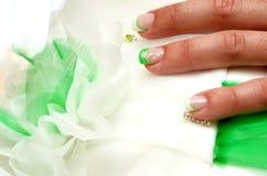 Brautkleid und -nägel Lizenzfreies Stockfoto